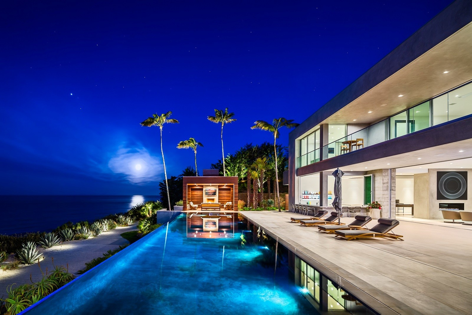 Mansion in Malibu for $ 27.9 million